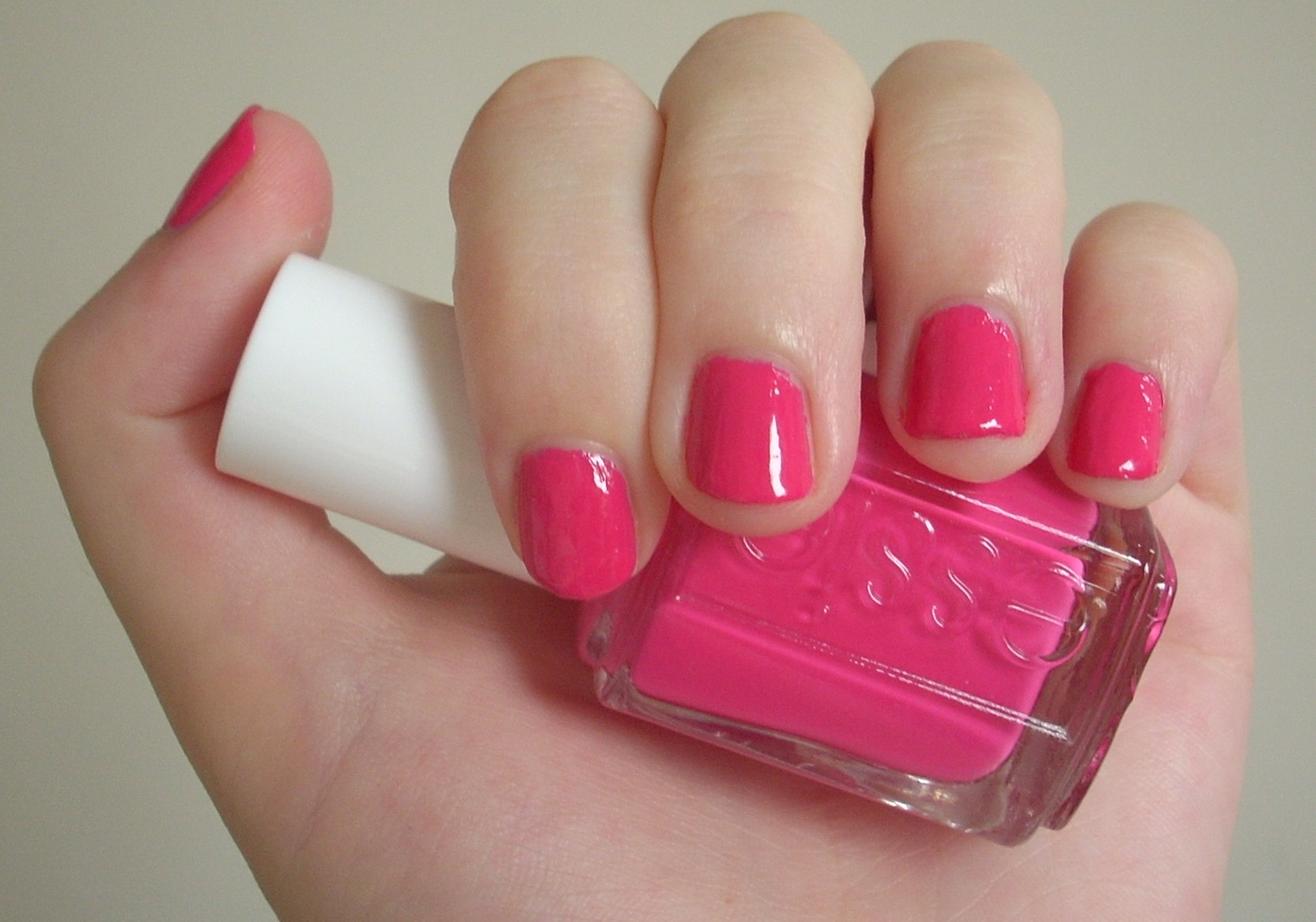 Essie Fiesta nail polish review | Through The Looking Glass