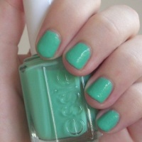 Essie Turquoise & Caicos nail polish review