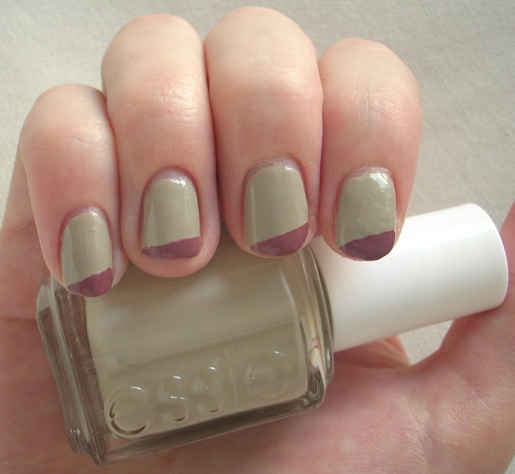 Essie Playa del Platinum nail polish review | Through The Looking Glass