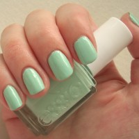 Essie Mint Candy Apple nail polish review
