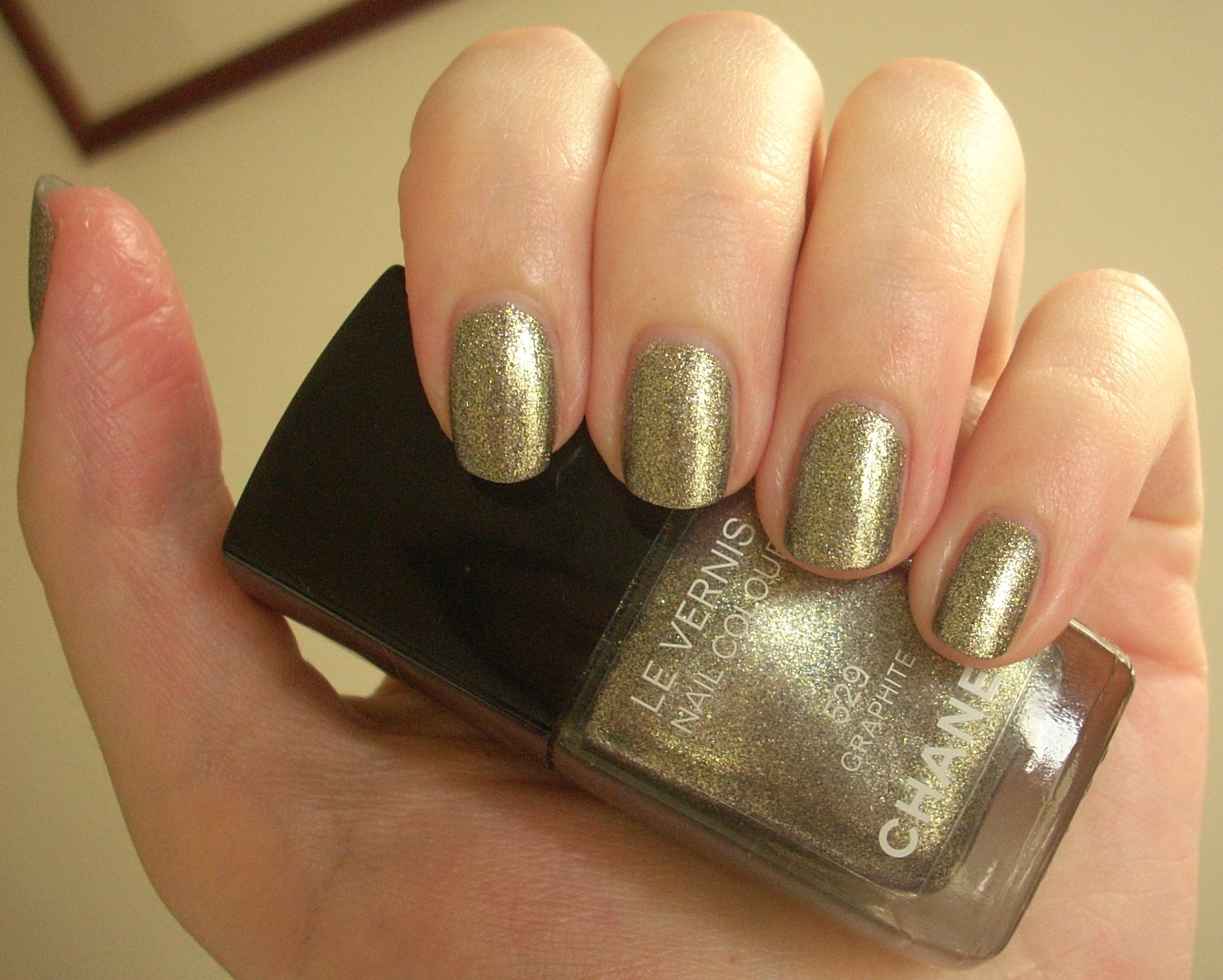 Best Glitter Nail Polishes Through The Looking Glass Page 2