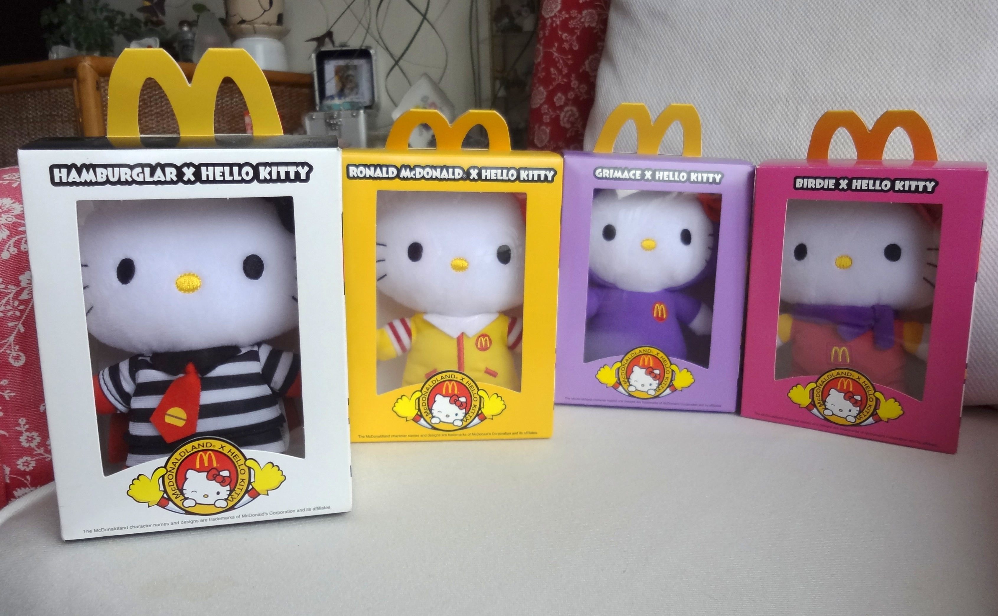 Hello Kitty Mcdonald S Toys : Hello kitty mo liu the cat s meow through looking
