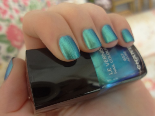chanel azure le vernis nail colour
