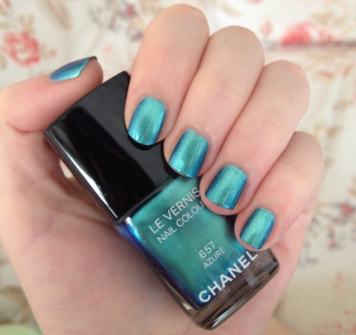 chanel azure swatch