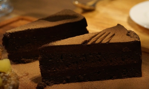 butchers club deli hong kong chocolate brownie cake