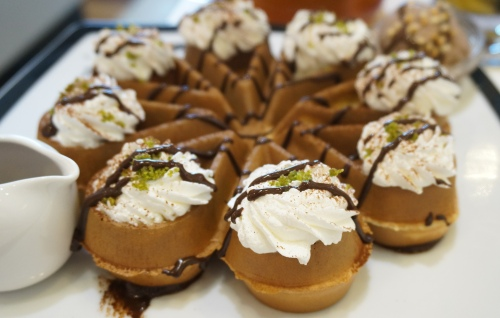 dazzling cafe hong kong chocolate waffle