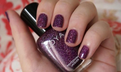 zoya aurora nail polish