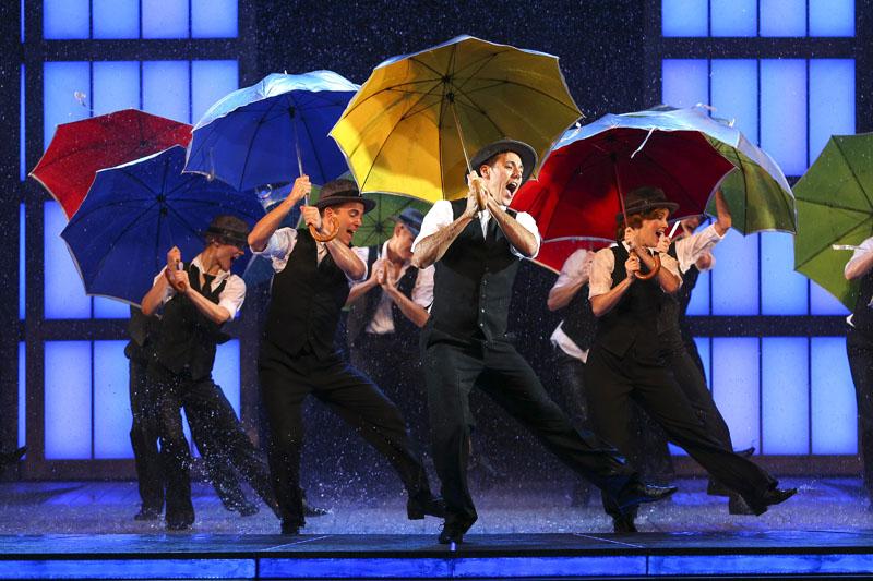 Richard Riaz Yoder and Danny Gardner star in Singin in the Rain   Marriott Theatre jb