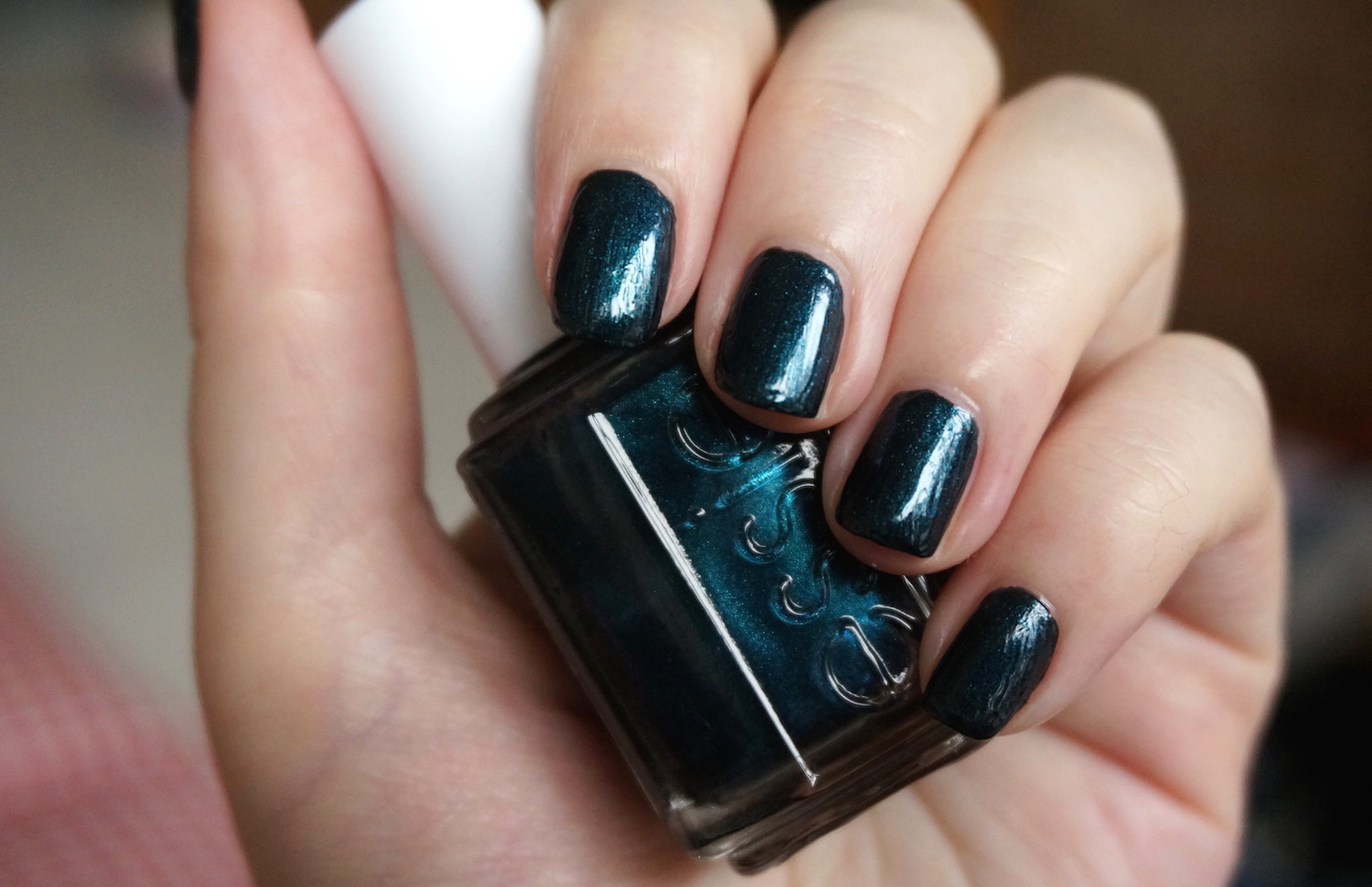 Nails Of The Day: Essie Dive Bar & Essie Shine Of The Times manicure ...