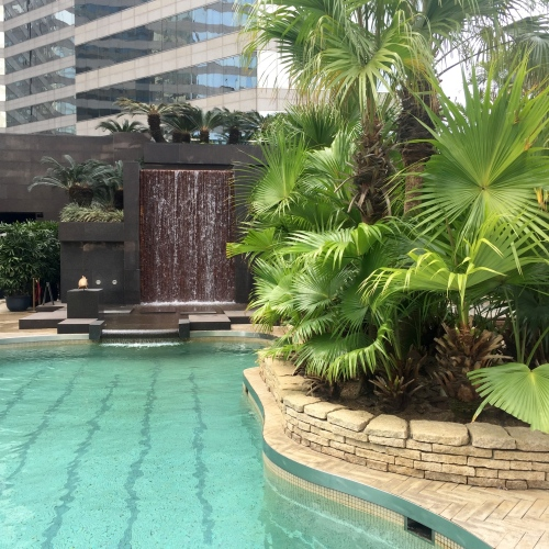 grand-hyatt-hong-kong-swimming-pool